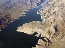 Le Lake Mead et montagnes images stock