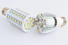 Le lampadine del LED paragonano ai chip differenti di SMD Immagini Stock Libere da Diritti