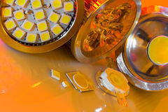 Le lampadine di GU10 LED e SMD scheggia dentro l'illuminazione di umore Fotografie Stock
