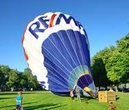 Le lancement traditionnel du ballon à air chaud Photographie stock