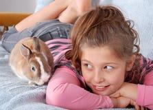Le lapin et son gardien Photos libres de droits