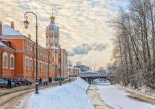 Le lavra d'Alexander Nevsky à un jour d'hiver givré Image stock