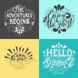 Le lettrage tiré par la main d'été, aventures d'inscription de typographie commence Photo stock