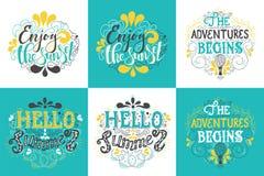 Le lettrage tiré par la main d'été, aventures d'inscription de typographie commence Photos stock
