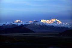 Le lever de soleil de l'Himalaya image stock