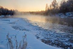 Le lever de soleil de rivière de glace Image stock