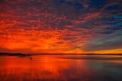 Le lever de soleil le plus magique dans notre baie jusqu'ici cette année image libre de droits
