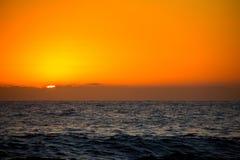 Le lever de soleil sur des rotations de Las échouent dans Denia image stock
