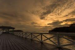 Le lever de soleil sur le pont Image libre de droits