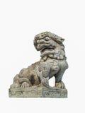 Le lion chinois a découpé hors de la roche d'isolement avec le fond blanc f Photographie stock libre de droits