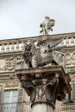 Le lion du ` s de St Mark symbolise les liens étroits du ` s de ville avec Venise Delle Erbe de Vérone - de Piazza images stock