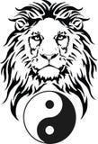 Le lion et le symbole de Dao - de Yin et de Yang image stock
