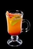 le liquide noir d'automnes de cocktail de fond a isolé la lumière du soleil Photos libres de droits