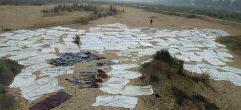 Le lit de rivière sec de la rivière de Lilajan (Niranjana), le Bihar, Inde Photographie stock