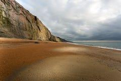 Le littoral et les falaises jurassiques à la baleine Chine dans l'île du wight Images stock