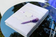 le livre de mariage, signent le nom Photos stock