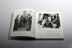 Le livre de photographie par Nick Yapp, Chypriote était en 1958 Photos libres de droits
