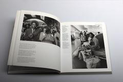 Le livre de photographie par Nick Yapp, immigrés arrivent à Londres et à Southampton Image libre de droits