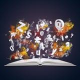 Le livre ouvert émet des lettres, des nombres et la fumée colorée Image libre de droits