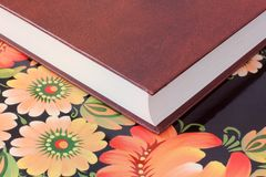 Le livre sur la fin de table