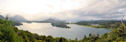Le llaollao et les lacs d'hôtel s'approchent du bariloche Argentine Photographie stock