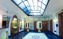 Le lobby est entrée à la maison résidentielle de luxe, buildin d'appartement Image stock