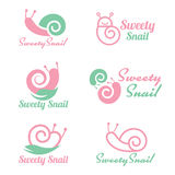 Le logo doux d'escargot de rose et de vert dirigent la scénographie Images libres de droits