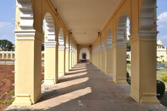 Le long couloir. Image stock
