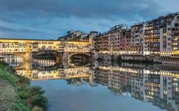 Le long d'Arno River à Florence - en Italie image libre de droits