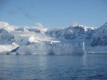Le long de la côte de l'Antarctique Image stock