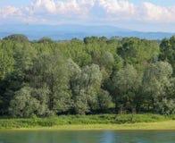 Le long du fleuve photographie stock libre de droits