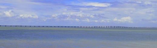 Le long pont Photographie stock libre de droits