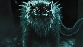 Le loup étranger émerge de la forêt foncée et ouvre sa bouche photo stock