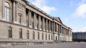 Le Louvre Colonade Selon la course de rue d'amiral de Coligny Image libre de droits