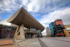 Le Lowry aux quais de Salford, Manchester R-U. Photographie stock libre de droits