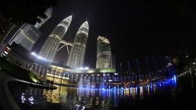 Le luci complete di Kuala Lumpur City Center Fountain mostrano video d archivio
