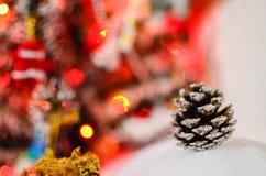 Le luci di Natale hanno offuscato il fondo Immagini Stock