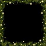 Le luci di Natale su attillato (abete) si ramifica su fondo nero Fotografia Stock Libera da Diritti