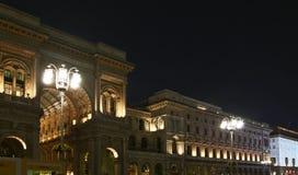 Le luci in duomo quadrano durante le feste di Natale, Milano Fotografia Stock Libera da Diritti