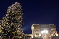 Le luci in duomo quadrano durante le feste di Natale, Milano Immagini Stock Libere da Diritti