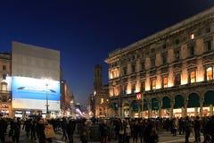 Le luci in duomo quadrano durante le feste di Natale, Milano Fotografia Stock