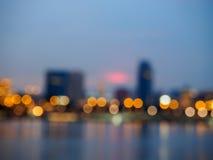 le luci notturne della città hanno offuscato il fondo del bokeh Fotografia Stock Libera da Diritti
