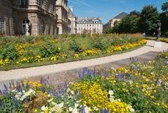 Le Luxembourg fait du jardinage groupe, Paris, France photographie stock libre de droits