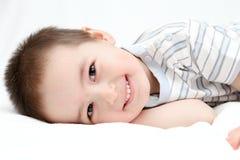 Le lycklig pojke Arkivfoton