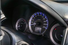 Le mètre de vitesse est la mesure qui mesure et affichage, dashb de plan rapproché photographie stock
