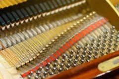 Le mécanisme intérieur du piano de piano Images stock