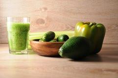 Le mélange, mélange des légumes verts, detox, concept de régime Photos stock