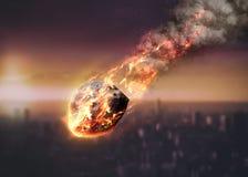 Le météore rougeoyant en tant que lui écrit l'atmosphère terrestre Photo stock