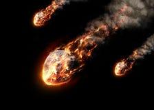 Le météore rougeoyant en tant que lui écrit l'atmosphère terrestre Photographie stock