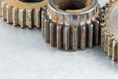 Le métal industriel rouillé superficiel par les agents par grunge embraye le macro photo stock